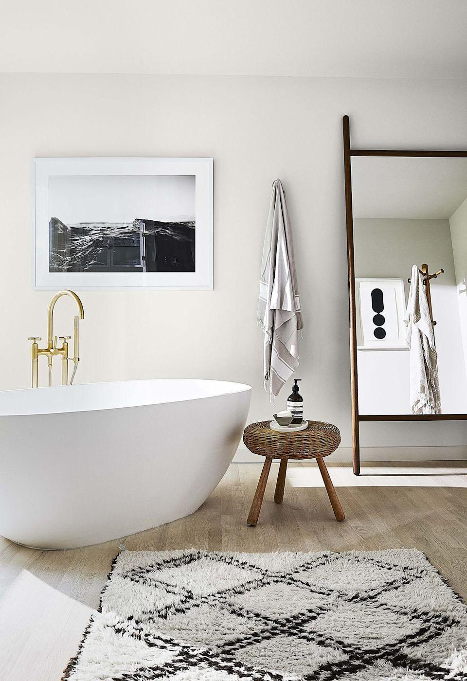 """<p>Analisse Taft-Gersten calls her morning bath at her <a href=""""https://www.housebeautiful.com/design-inspiration/house-tours/a31157783/annalise-taft-gersten-connecticut-home/"""" rel=""""nofollow noopener"""" target=""""_blank"""" data-ylk=""""slk:Connecticut weekend home"""" class=""""link rapid-noclick-resp"""">Connecticut weekend home</a> the best part of her day—and it's easy to see why. The serene space was inspired by spas at her favorite hotels. </p>"""