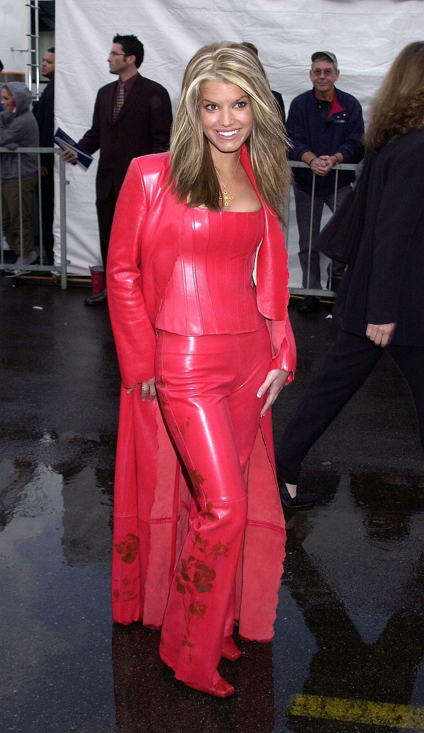 <p>In case head-to-toe red pleather didn't make a bold enough statement at the American Music Awards, Jessica also included a rose detail at the bottom.</p>