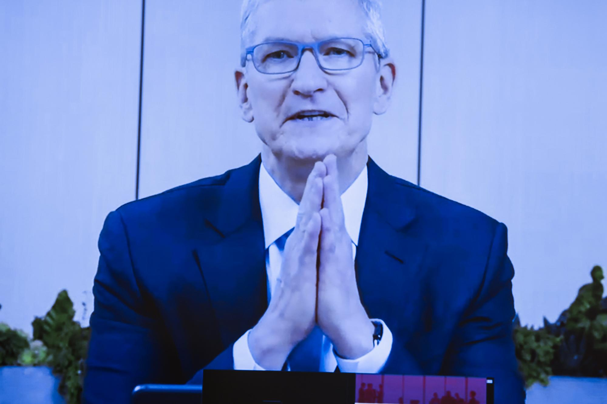 Apple will face a critical test when CEO Tim Cook testifies at the Epic trial – Yahoo Finance