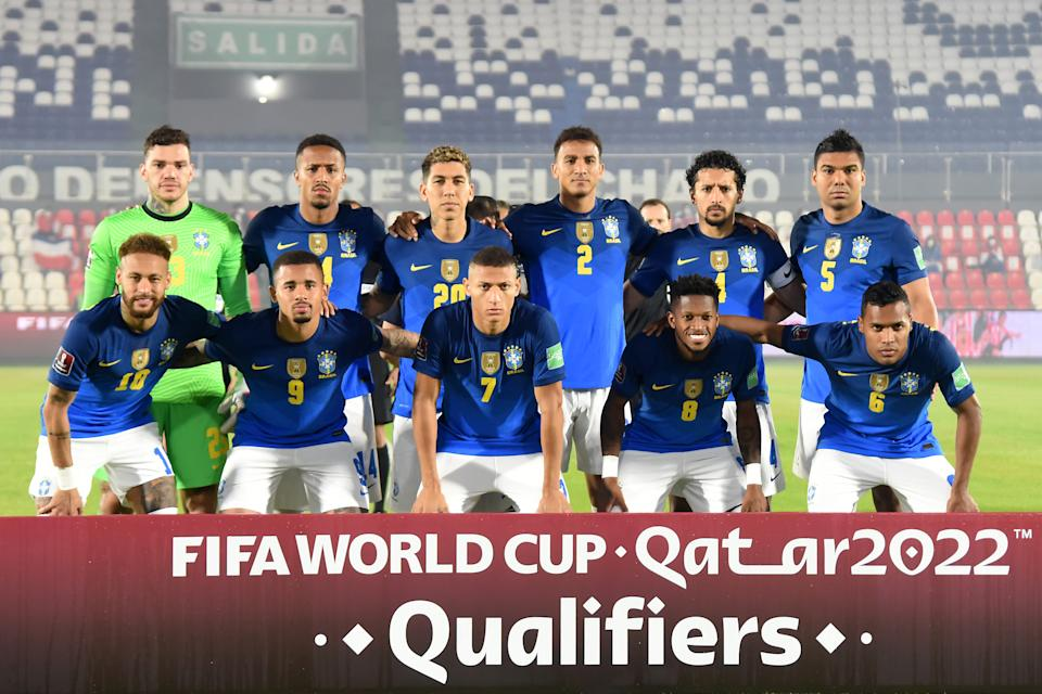 ASUNCION, PARAGUAY - JUNE 08: Players of Brazil pose before a match between Paraguay and Brazil as part of South American Qualifier for Qatar 2022 at Estadio Defensores del Chaco on June 08, 2021 in Asuncion, Paraguay. (Photo by Christian Alvarenga/Getty Images)