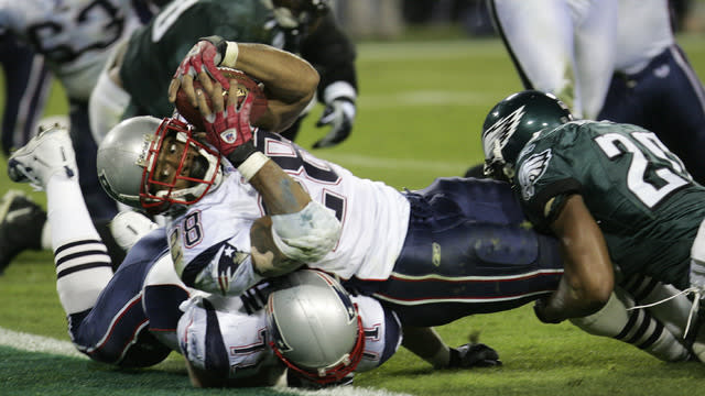 Tom Brady and the New England Patriots take on Terrell Owens and the Philadelphia Eagles in Super Bowl XXXIX.