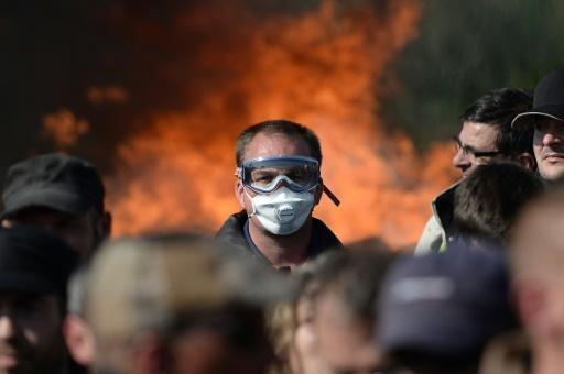 Hollande defiant in face of French industrial unrest