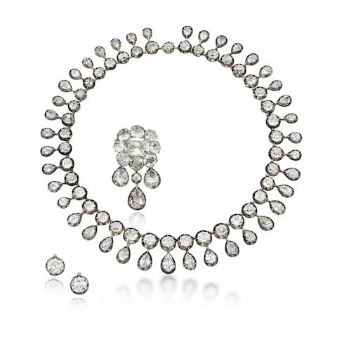 marie antoinette diamond necklace - Credit: AFP/Getty Images