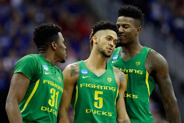 """Oregon's <a class=""""link rapid-noclick-resp"""" href=""""/ncaab/players/131299/"""" data-ylk=""""slk:Tyler Dorsey"""">Tyler Dorsey</a> (5) could have a long career overseas even if he goes undrafted. (Getty)"""