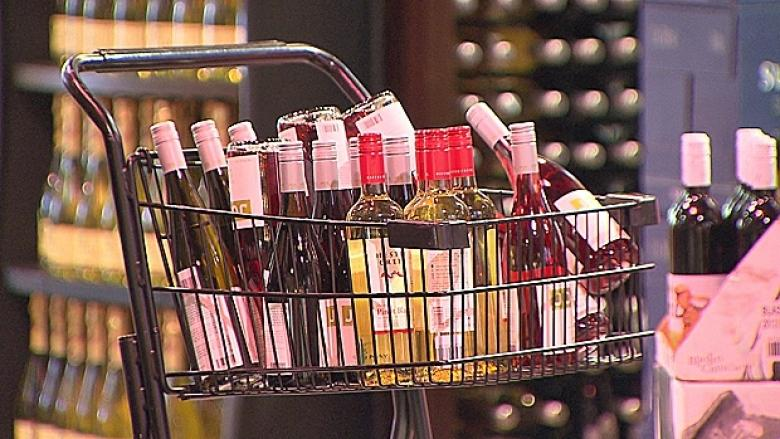 Booze sales in Vancouver grocery stores move one step closer to reality