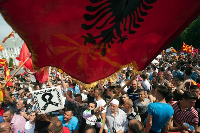 People take part in a rally in central Skopje on May 17, 2015 demanding that the government of Prime Minister Nikola Gruevski step down (AFP Photo/Robert Atanasovski)