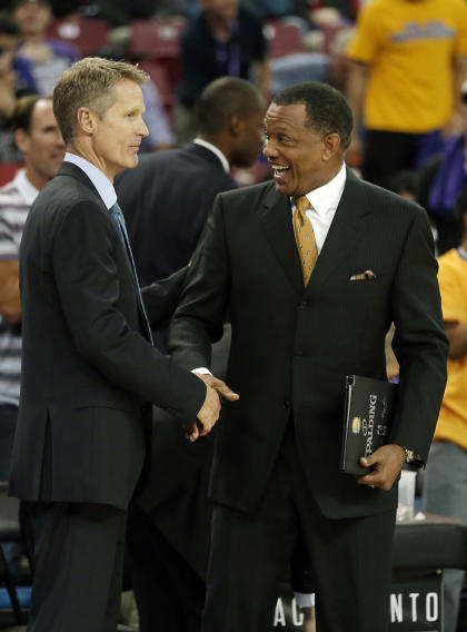 Alvin Gentry (right) is the top assistant on Steve Kerr's staff with the Warriors. (AP)