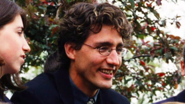 Justin Trudeau Posted A Great Throwback Photo For World Teachers' Day