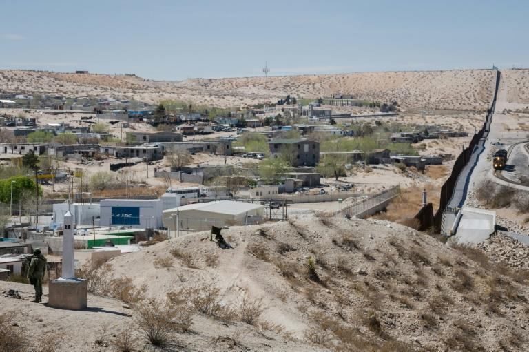 The US-Mexico border at Sunland Park, New Mexico, just west of El Paso, Texas, as seen from the US side
