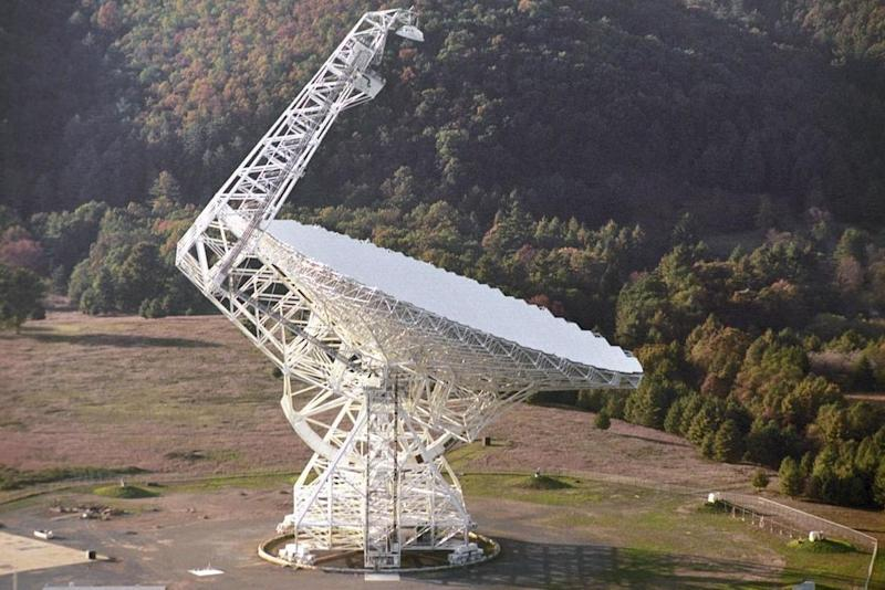 The Green Bank radio telescope in West Virginia, US, which is going to track the object. (PA)