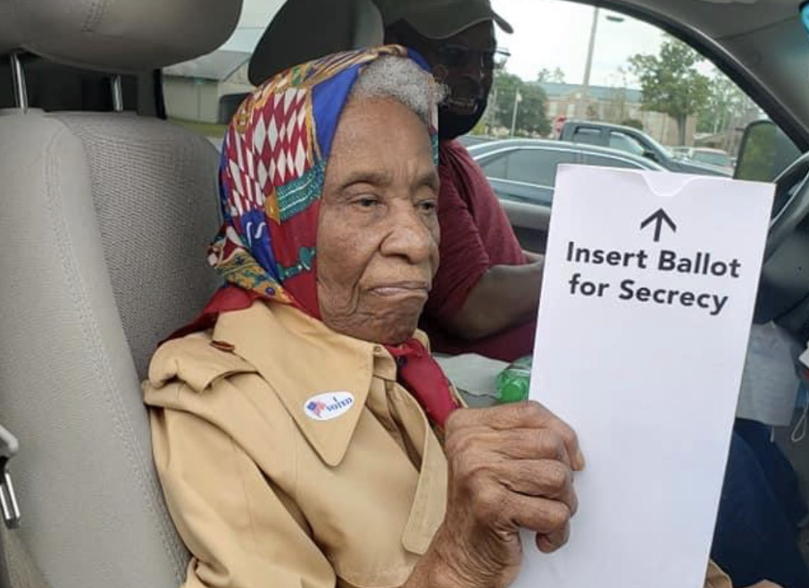 Man posts photos of 102-year-old great aunt mailing her ballot. (Photo: Twitter)