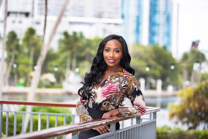 Vickie Arcuri, a real estate agent in Florida, is already seeing a rise in foreign buyer interest following the pandemic in 2020. The number of visitors from other countries to her website has doubled.