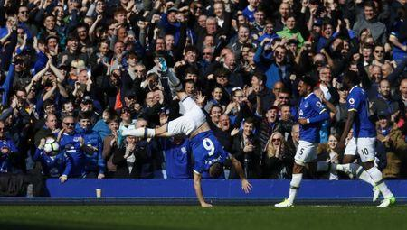 Britain Soccer Football - Everton v Burnley - Premier League - Goodison Park - 15/4/17 Everton's Phil Jagielka celebrates scoring their first goal Action Images via Reuters / Jason Cairnduff Livepic
