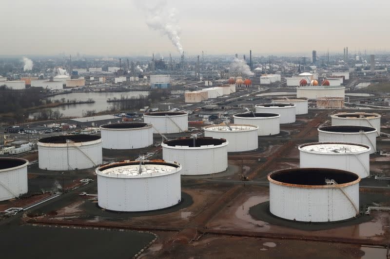 Oil ends lower after U.S. crude stockpiles jump, gasoline demand sinks