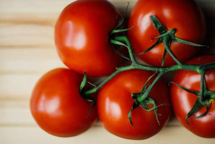 Have we been storing tomatoes all wrong? [Photo: Tookapic via Pexels]