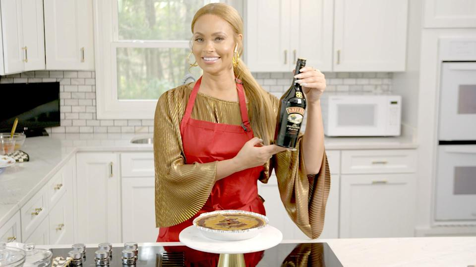Gizelle Bryant Proudly Displays Her Homade Baileys Chocolate Fig Pie