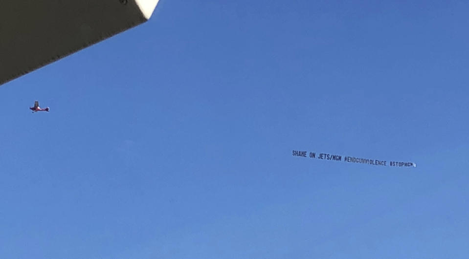 A banner flew around the Jets home stadium criticizing the team for partnering with MGM Resorts. (AP)