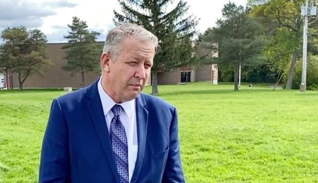 Nova Scotia Municipal Affairs Minister John Lohr says the new Tory government is fulfilling an election promise and doubling grants to municipalities that qualify. (Craig Paisley/CBC - image credit)