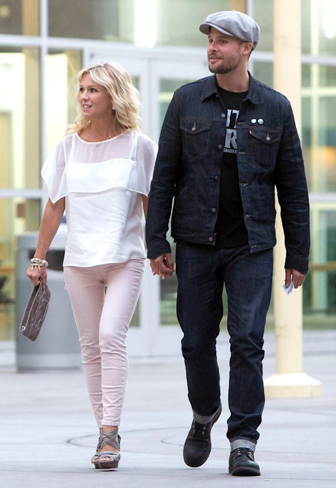 """<p class=""""MsoNormal"""">After Peter Facinelli pulled the plug on their 11-year marriage in March, Jennie Garth said she was dating with """"training wheels"""" when she was spotted in May with HGTV designer Antonio Ballatore. But three months later, she seems to have taken those wheels off because the slimmed-down former """"90210"""" actress was recently snapped holding hands with her new boyfriend, photographer Noah Abrams.</p>"""