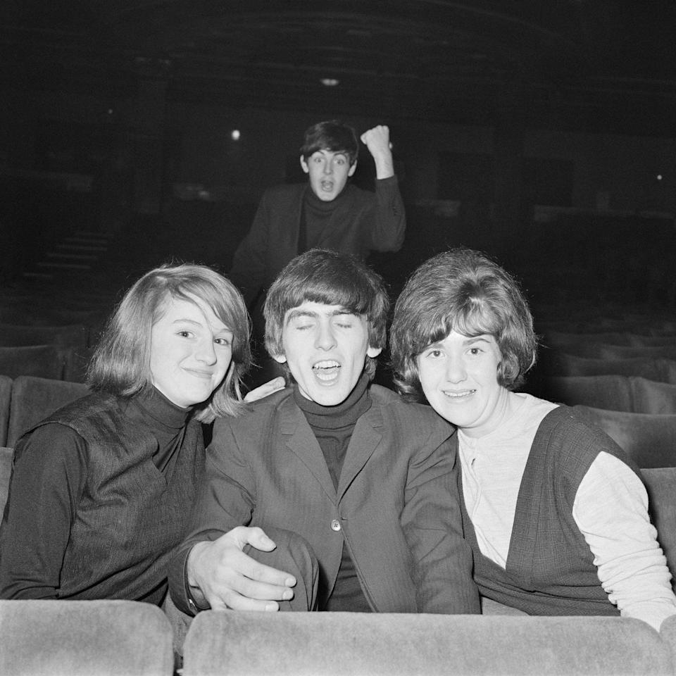 <p>History tells us that photobombs have been a pop-culture phenomenon since the days of yore.</p>
