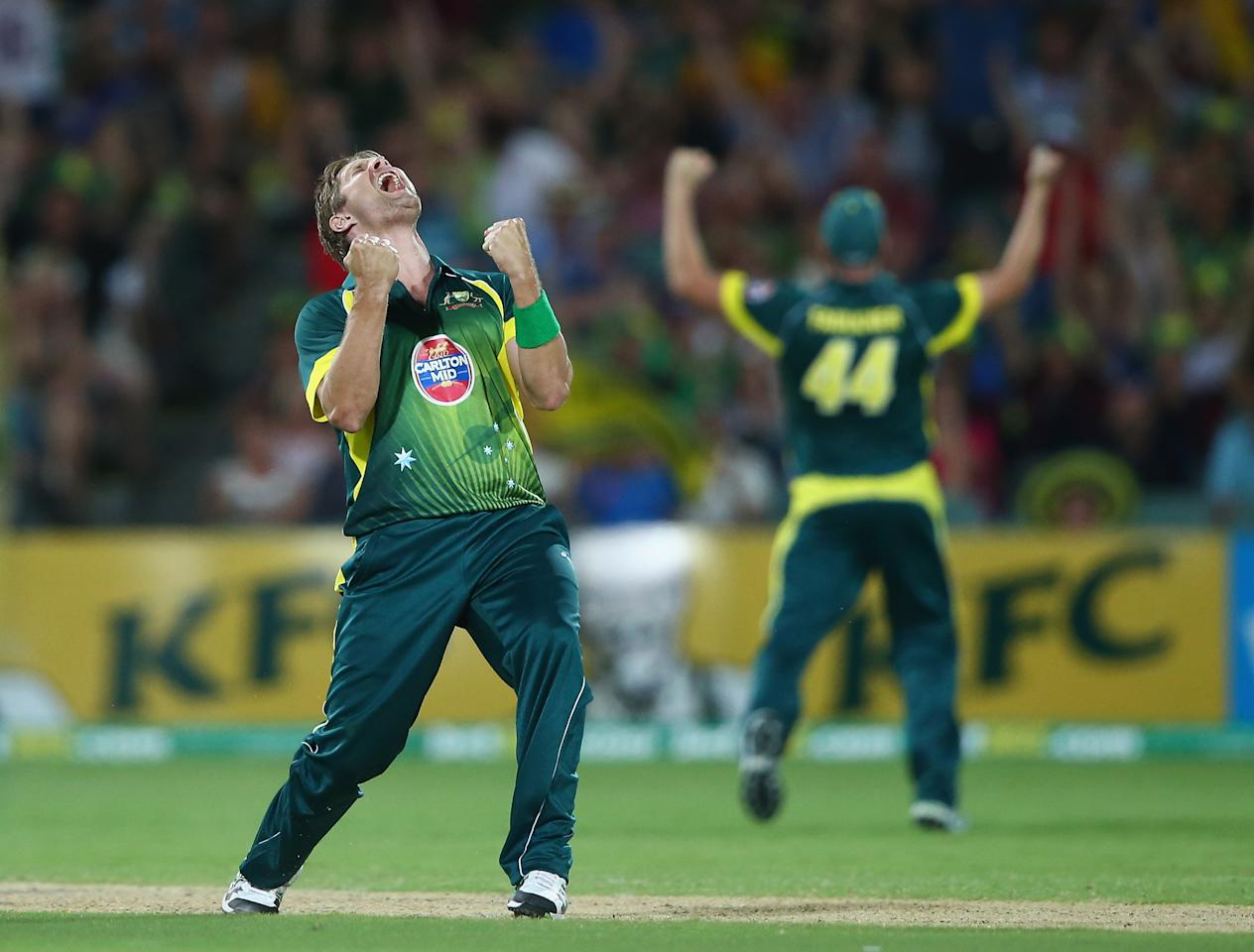 ADELAIDE, AUSTRALIA - JANUARY 26:  Shane Watson of Australia celebrtaes after taking the final wicket to give Australia victory over England during game five of the One Day International Series between Australia and England at Adelaide Oval on January 26, 2014 in Adelaide, Australia.  (Photo by Robert Cianflone/Getty Images)