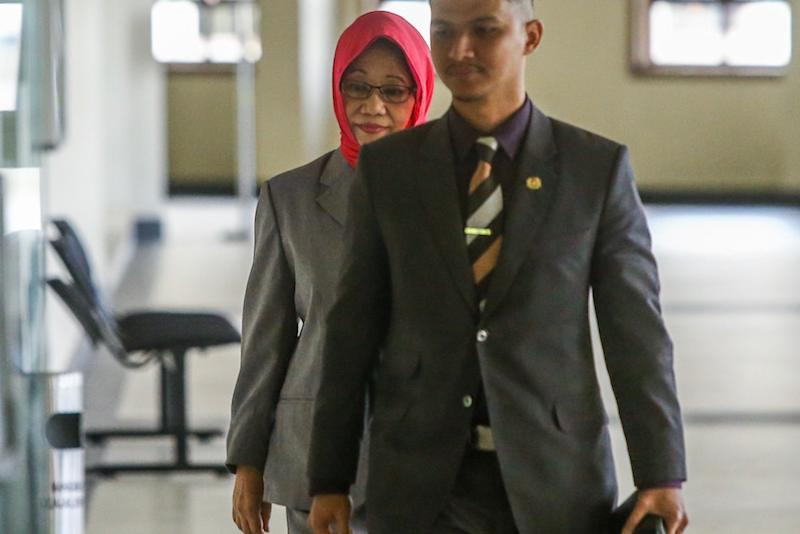 Former deputy chief secretary to the government Tan Sri Mazidah Abdul Majid arrives at the Kuala Lumpur Court Complex June 18, 2019. — Picture by Hari Anggara