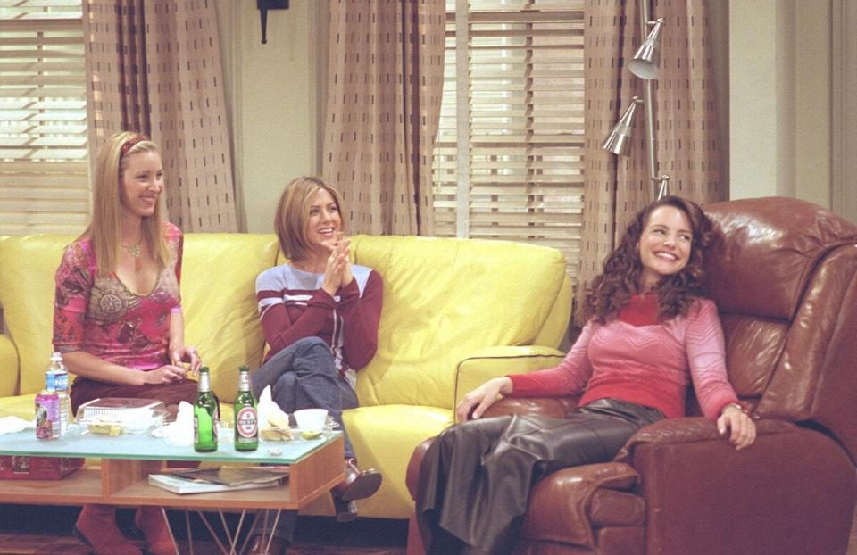 Lisa Kudrow as Phoebe Buffay, Jennifer Aniston as Rachel Green, Kristin Davis as Erin, star in NBC's comedy series 'Friends' episode 'The One With Ross's Library Book.' Phoebe and Rachel befriend Joey's new love interest, 'Sex and the City's' Kristin Davis guest-stars. (Photo by Warner Bros. Television)