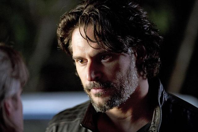 After years as a lone wolf, Alcide Herveaux (Joe Manganiello) must step up to the plate as the pack leader, a position he earned after he killed the V-abusing J.D. in last year's finale.