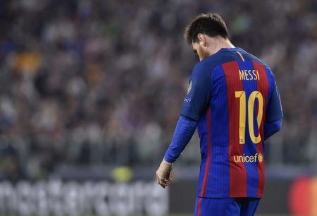 Football Soccer - Juventus v FC Barcelona - UEFA Champions League Quarter Final First Leg - Juventus Stadium, Turin, Italy - 11/4/17 Barcelona's Lionel Messi looks dejected Reuters / Giorgio Perottino Livepic