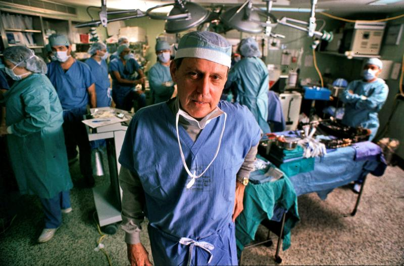 Dr. Thomas Starzl, Pioneer in Baboon-to-Human Liver Transplants, Dies at 90