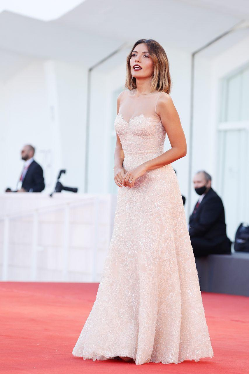 VENICE, ITALY - SEPTEMBER 01: Festival patroness Serena Rossi attends the red carpet of the movie 'Madres Paralelas' during the 78th Venice International Film Festival on September 01, 2021 in Venice, Italy. (Photo by Vittorio Zunino Celotto/Getty Images)