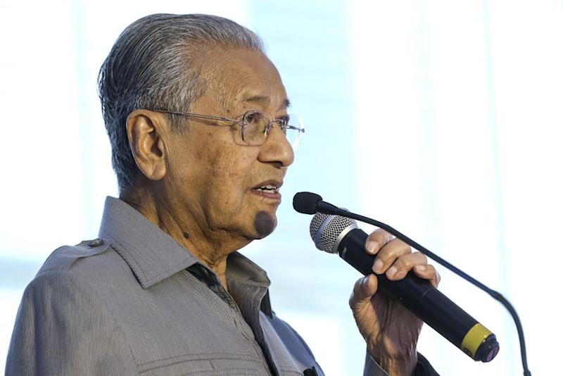 Mahathir says he will need the CEP to continue working alongside him. — Picture by Azneal Ishak
