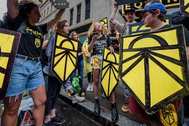PHOTO: Members of the Sunrise Movement hubs from all across New York state gathered for a rally on August 13, 2019 outside of the DNC headquarters in New York City. (Pacific Press/LightRocket via Getty Images)