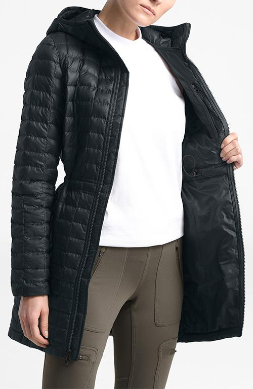 This parka might be lightweight, but it's a powerhouse at keeping you warm. (Photo: Nordstrom)