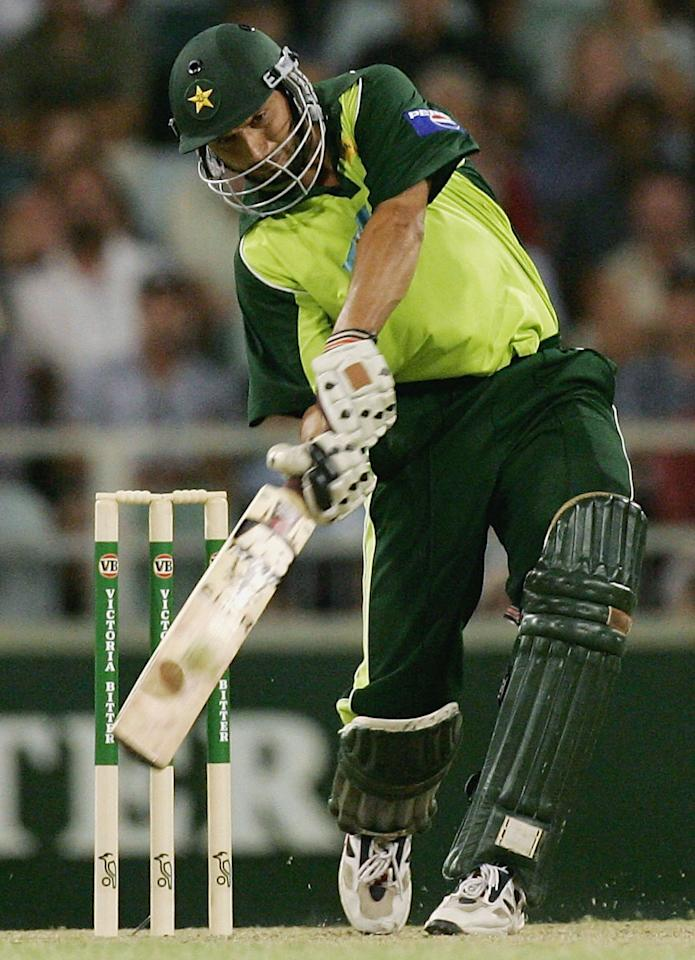 PERTH, AUSTRALIA - JANUARY 30:  Shahid Afridi of Pakistan hits a six during game eight of the VB Series One Day International Tournament between Australia and Pakistan played at the WACA on January 30, 2005 in Perth, Australia.  (Photo by Hamish Blair/Getty Images)