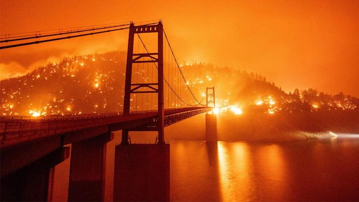 The Bidwell Bar Bridge surrounded by wildfires in Oroville, Calif. (Josh Edelson/AFP via Getty Images)