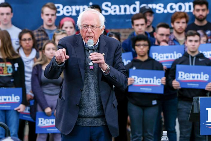 Sen. Bernie Sanders (I-Vt.) speaks to supporters in Durham, New Hampshire, on Sept. 30. Late at night the following day, the presidential hopeful went to the hospital with chest pains. (Photo: Preston Ehrler/SOPA Images/Getty Images)