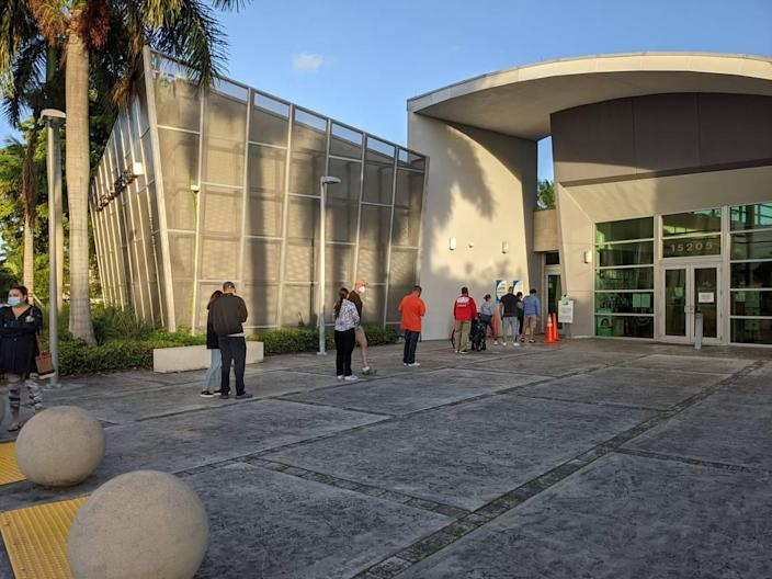 The 7 a.m. line at Kendall Lakes Library at 15205 SW 88th St. on Election Day, Nov. 3, 2020.