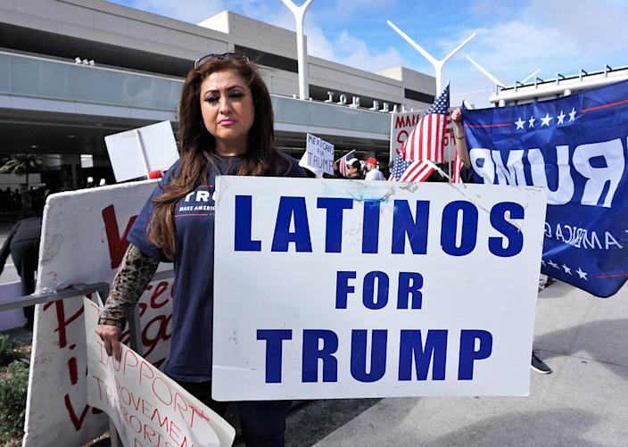 <p>Supporters of President Donald Trump counterprotest during a demonstration against the President's immigration ban at Los Angeles International Airport, Feb. 4, 2017. (Photo: Mintaha Neslihan Eroglu/Anadolu Agency/Getty Images) </p>