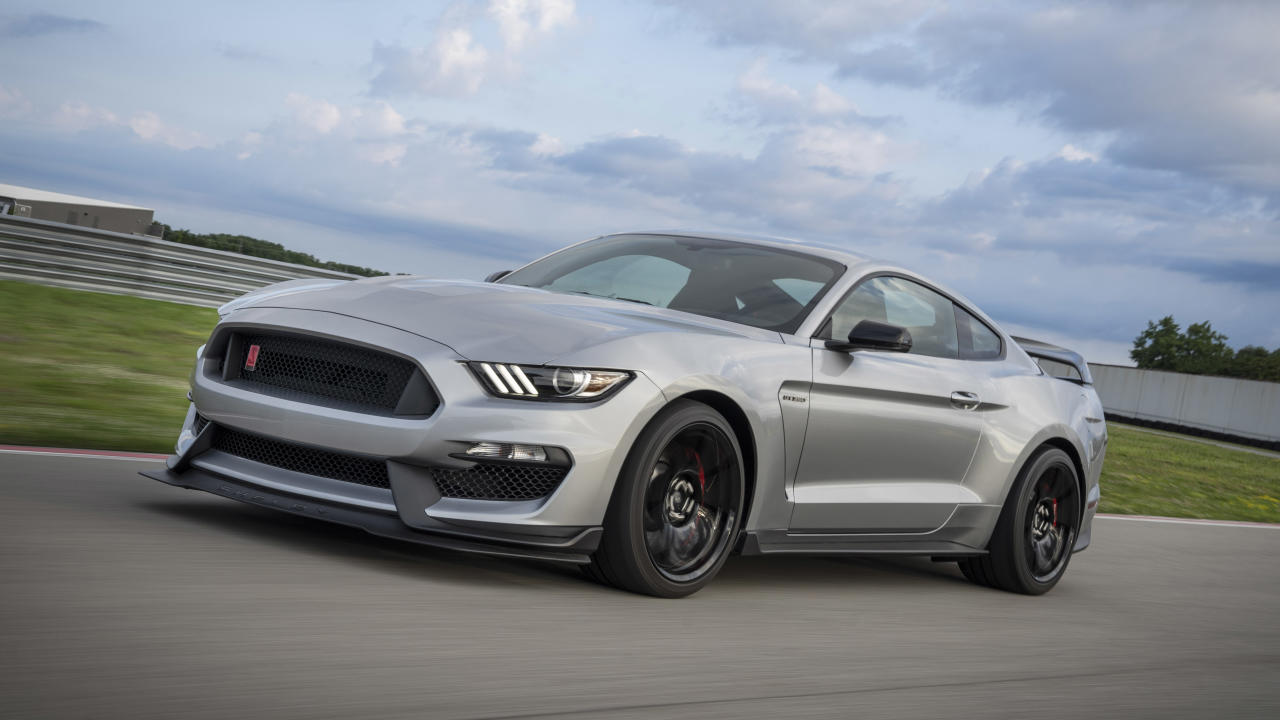 <p><strong>Silver: 13.7 percent more likely to have a deal</strong></p> <p>It's good to see one of the most popular car colors is one you're more likely to see a discount on. There are countless shades of silver offered these days,especially from German manufacturers. Ford just happened to introduce silver shade to the GT350R this year, shown above. In this study, iSeeCars says that silver is the third most popular color that folks own, but the amount of discounted cars is still sizable, leading us to wonder if some silver cars may see discounts because they're found in such high quantities. No matter what dealer lot you walk onto, chances are high that you'll find a silver car sitting among the scrum.</p>