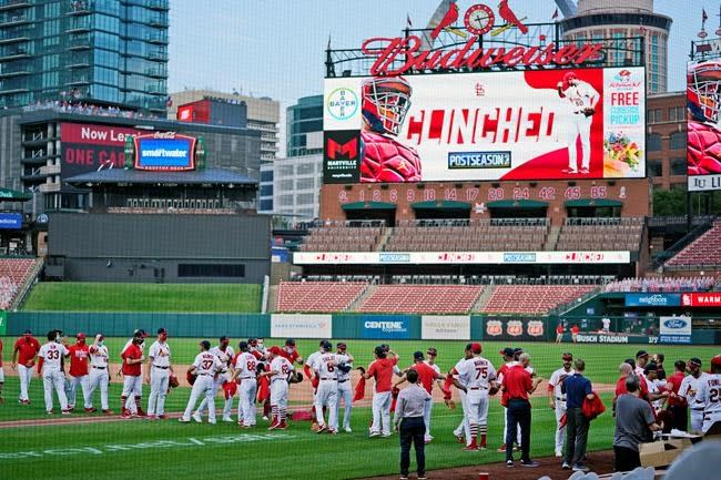 Cardinals top Brewers, both reach post-season on final day