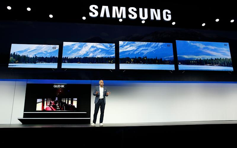"Dave Das, senior vice president, Samsung Electronics America, unveils the 98"" QLED 8K TV during a Samsung news conference at CES International, Monday, Jan. 7, 2019, in Las Vegas. (AP Photo/John Locher)"