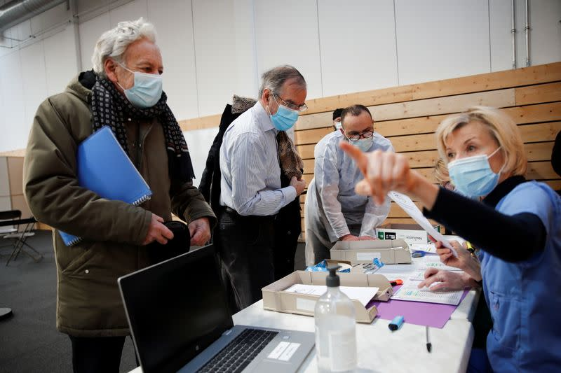 France begins vaccinating on a larger scale by opening more COVID-19 vaccination centers