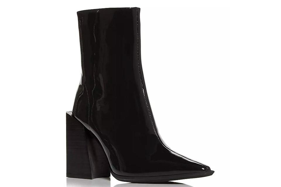 boots, black boots, heeled, pointed toe, jeffrey campbell