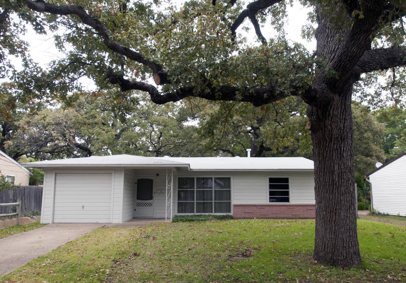 House where Oswald stayed opens to visitors