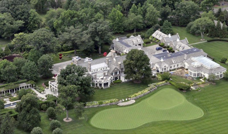 <p> FILE -This Friday, July 26, 2013, file photo shows the Greenwich, Conn. estate belonging to billionaire hedge fund owner Stephen Cohen, Cohen's company, hedge fund giant SAC Capital Advisors agreed Monday, Nov. 4, 2013, to plead guilty to fraud charges and to pay a $1.8 billion financial penalty. (AP Photo/Vincent T. Vuoto, File)