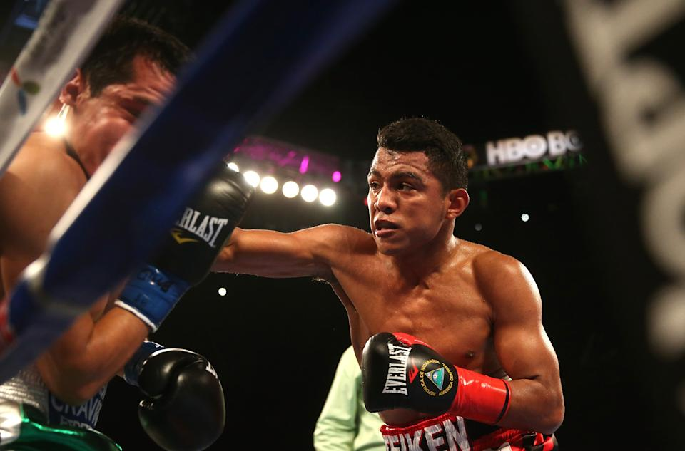 Roman Chocolatito Gonzalez (R) is one of the new stars who debuted on HBO under Ken Hershman's tenure as president of HBO Sports.  (Photo by Stephen Dunn/Getty Images)