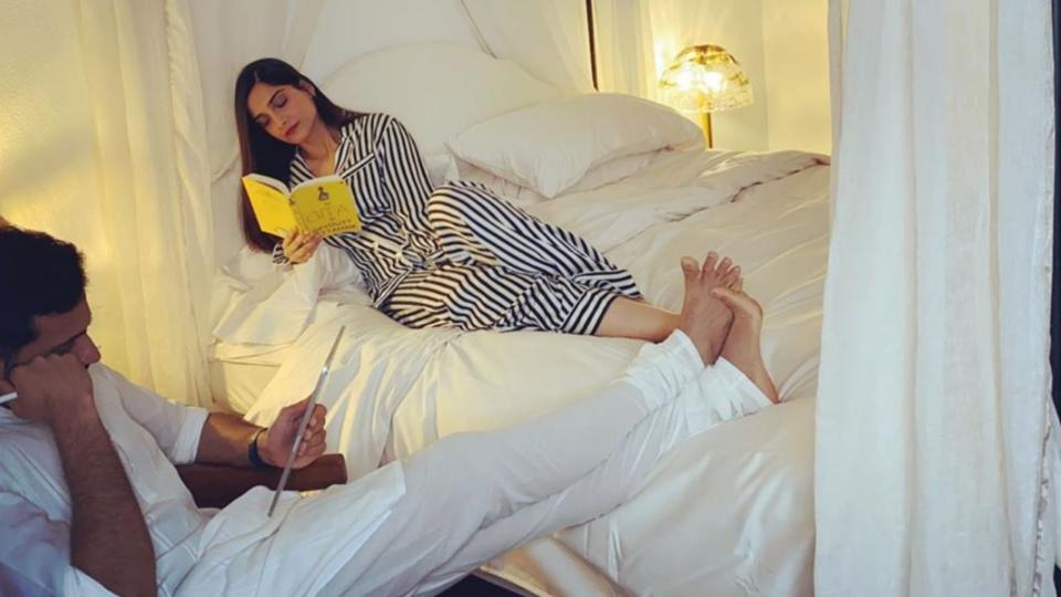 What are Sonam Kapoor and Anand Ahuja reading during the lockdown