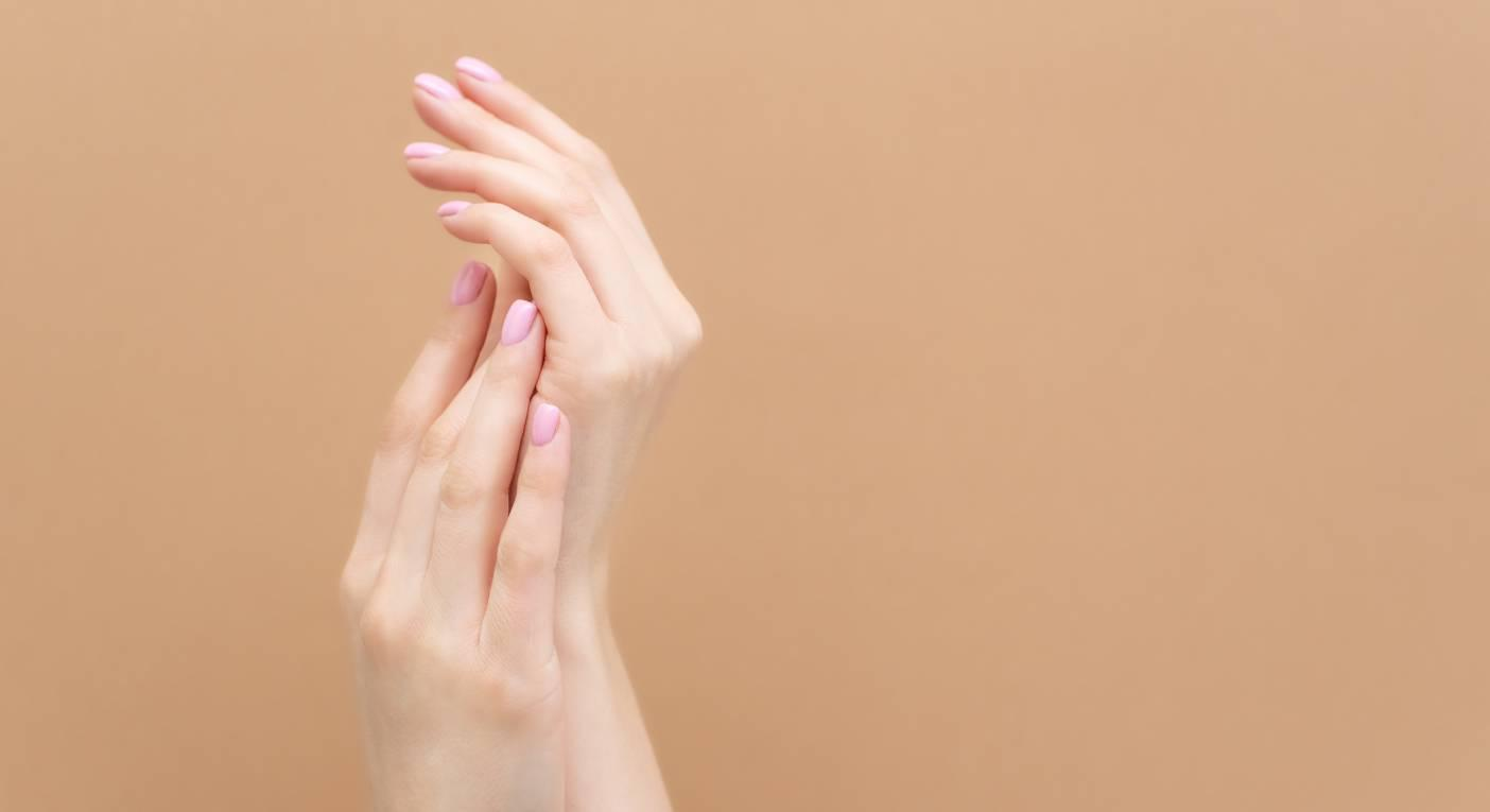 These moisture gloves will save your dry, chapped hands. (Getty Images)