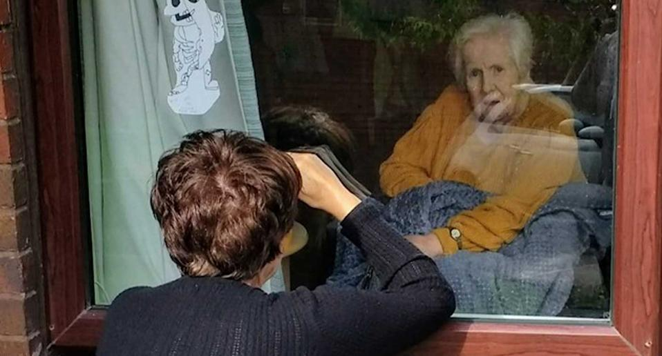 Jenny Morrison was only able to visit her mum, Jean, by peering through the care home window – leaving the 87-year-old hugely distressed. (Jenny Morrison)